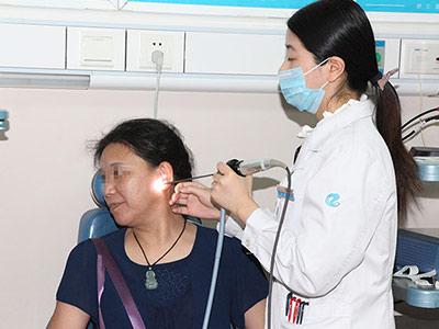 南京中耳乳突炎怎么治疗 耳朵臭